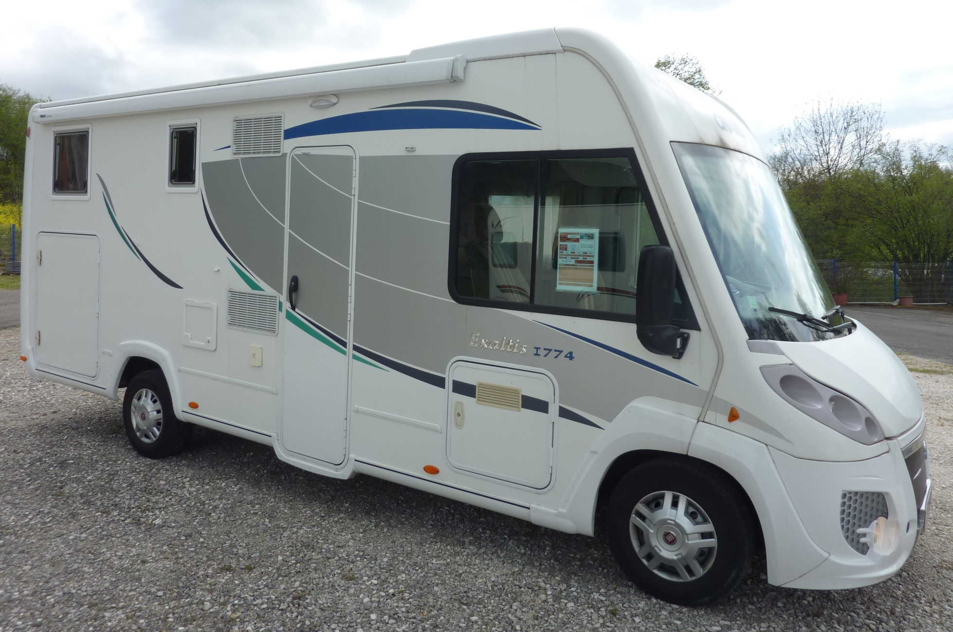Annonce chausson exaltis 6010 camping car d occasion for Garage fiat le puy en velay